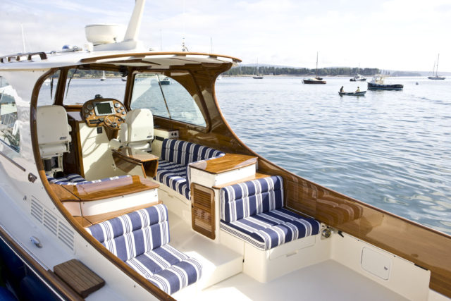 Hinckley Yachts Picnic Boat 37