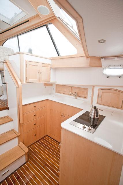 Hinckley Yachts Talaria 48 Interior