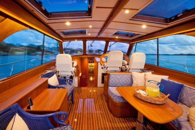 Hinckley Yachts Talaria 48 Motoryacht