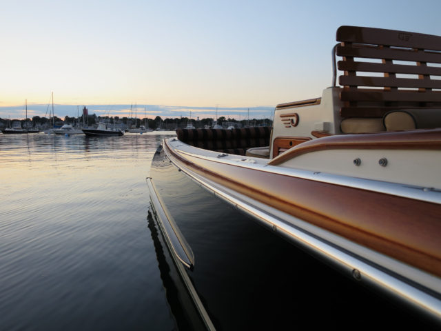 Hinckley Yachts Center Console 29