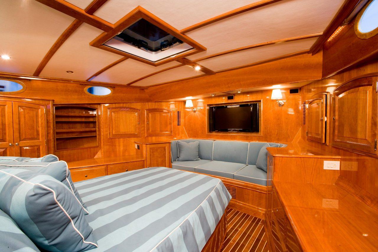 Talaria 55 MKII | Hinckley Yachts