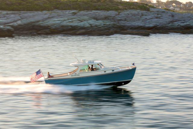 Hinckley Yachts Picnic Boat 34-1