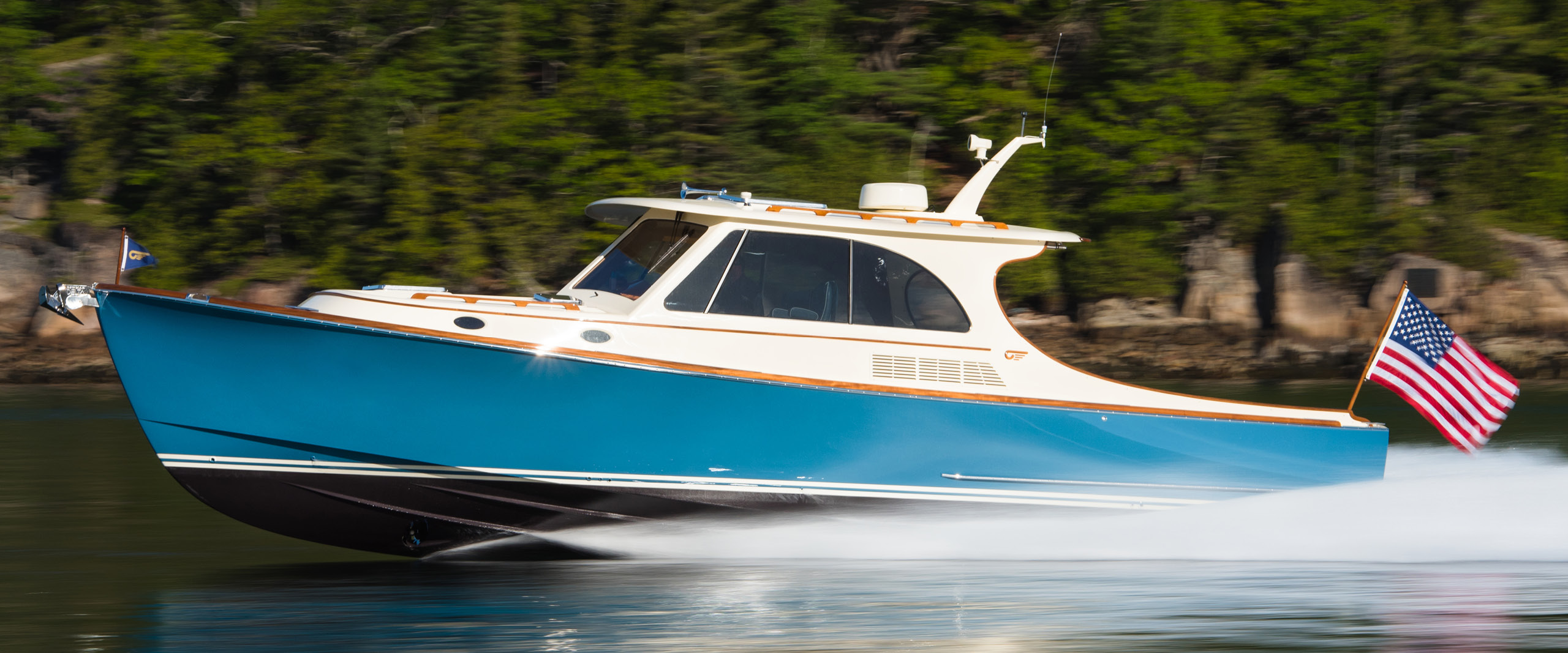 Hinckley Introduces the Innovative Picnic Boat 40 | Hinckley